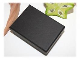 Bijoux Communion ou Célébration - Ecrin bijou noir bracelet pendentif
